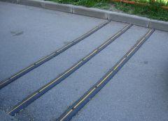 В Калининграде уже есть шумовые полосы на дорогах