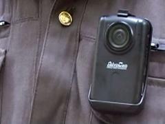 Полицейские в Архангельской области снимают нарушителей грудью