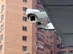 В подъездах жилых домов Москвы систему видеонаблюдения обновят в течение трех лет